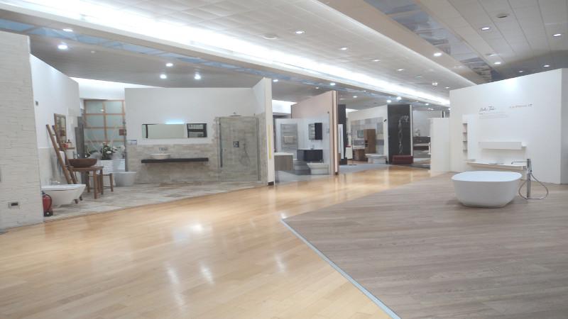 Showroom Arredo Bagno Padova.Andrighetti Ambienti Gode Di Una Sala Mostra Di 2000 Metri