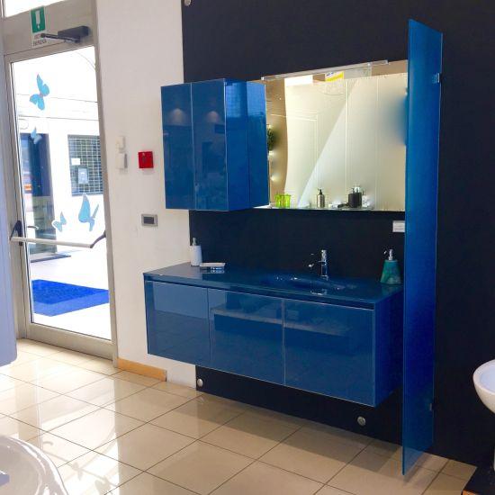 Fantastiche promozioni per arredare il tuo bagno www - Mobile bagno blu ...